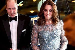 Hoàng tử William đã có hành động 'gây sốc' với vợ sau sự xuất hiện của công nương Meghan