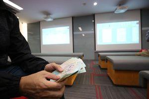 Chứng khoán giảm, quỹ ngoại 'bốc hơi' hàng trăm triệu USD