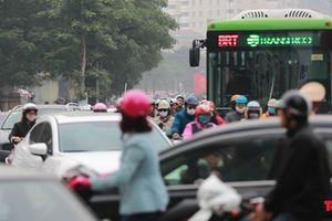 Bị tạt đầu, chiếm đường như 'cơm bữa', buýt nhanh BRT đang thành 'buýt chậm'