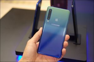 Samsung Galaxy A9 4 camera sau chính thức ra mắt tại Việt Nam, giá 12,49 triệu đồng