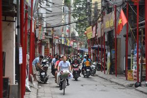 Tuyến phố đồng bộ hóa biển hiệu thứ 2 ở Hà Nội