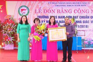 Trường THCS Nam Sơn đón bằng công nhận đạt chuẩn Quốc gia
