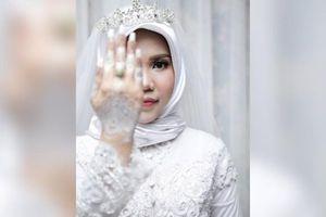 Xúc động bộ ảnh cưới không chú rể của hôn thê nạn nhân máy bay Lion Air