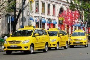 Thừa nhận không cạnh tranh được Grab, doanh nghiệp Việt rút lui khỏi Vinataxi