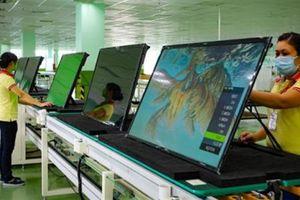 Việt Nam tụt hạng năng lực cạnh tranh: Điều trái ngược là...