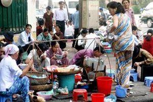 Quản thực phẩm bẩn: Nên tạo ra con phố thực phẩm sạch