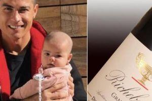 Sinh nhật con gái, Ronaldo phá lệ mua quà cực khủng