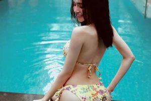 Elly Trần mặc bikini nóng bỏng, tiết lộ bộ phận mình thích nhất trên cơ thể