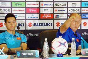 Clip: Malaysia cầu hòa, HLV Park Hang Seo quyết thắng
