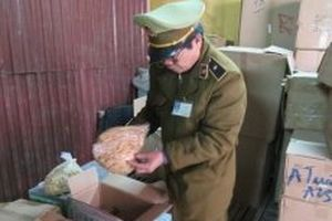Thực phẩm 'bẩn' nhập lậu gia tăng ở Lạng Sơn