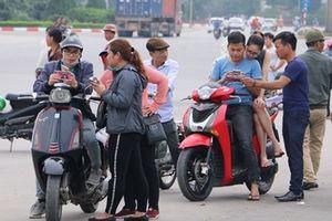 'Nhộn nhịp' vé chợ đen trước ngày đội tuyển Việt Nam thi đấu