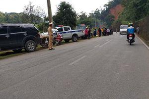 Ô tô chở cả gia đình lao xuống vực sâu, 1 người tử vong tại chỗ