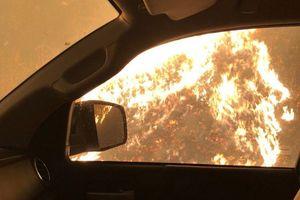 Vượt cháy rừng California, Toyota Tundra bị 'nung chảy'