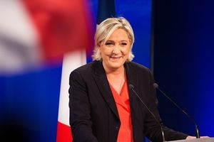 Bà Le Pen không coi Nga là mối đe dọa trên không gian mạng
