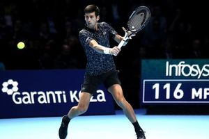 Hạ nhanh Zverev, Djokovic vào bán kết ATP Finals