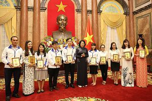 Phó Chủ tịch nước: Dạy trẻ bình thường đã khó, dạy trẻ đặc biệt càng khó hơn