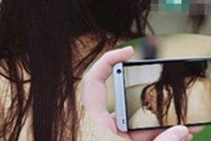Quen qua mạng xã hội, một phụ nữ bị quay clip tống tiền