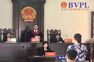 Bảo mẫu trường mầm non Ánh Sao Vàng lĩnh mức án 18 tháng tù về tội 'Hành hạ người khác'