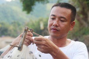 Gặp 'sát tinh' của cá 'khủng' thượng nguồn sông Lam