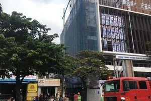 Nóng: Cháy lớn tại công trình đang xây trên đường Hoàng Quốc Việt