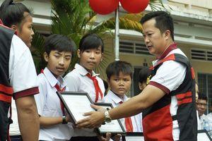 Chương trình Doanh nghiệp đồng hành cùng an toàn giao thông trường học