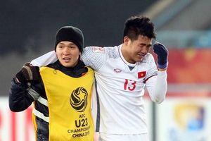 Rợn người với cú đá thẳng chân đối thủ của tiền vệ U23 Việt Nam!