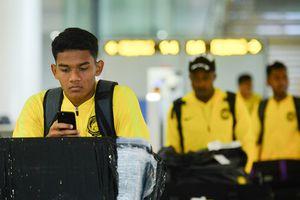 'Bi hài' chuyện đội tuyển Malaysia đến Việt Nam - Bỏ quên Ban huấn luyện ở sân bay