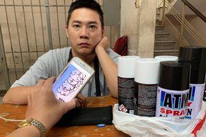 Du khách nước ngoài vẽ bậy lên tường ở phố Tây Bùi Viện bị phạt 1,5 triệu đồng