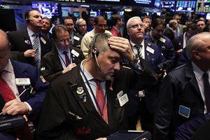Apple suy yếu, Dow Jones có chuỗi giảm điểm dài nhất 3 tháng qua
