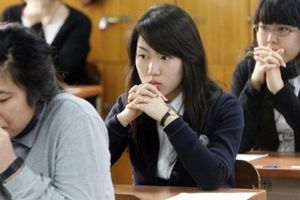 Hơn nửa triệu học sinh Hàn Quốc bước vào kỳ thi 'sinh tử'