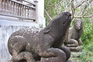 Về chùa Phật tích, chiêm ngưỡng 10 linh thú bằng đá