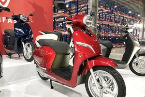 Giá bán xe máy điện VinFast Klara