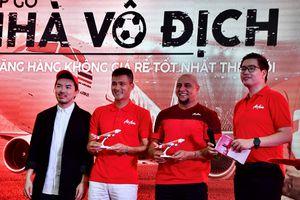 Đến Mỹ Đình, Roberto Carlos chúc ĐT Việt Nam thắng Malaysia