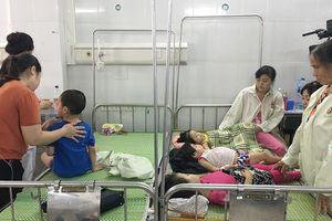 Hơn 140 trẻ mầm non huyện Đông Anh bị nhập viện nghi do ngộ độc thực phẩm