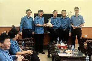 Chủ tịch Tổng LĐLĐVN Bùi Văn Cường làm việc với Công đoàn các KCN tỉnh Bắc Giang