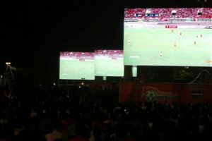 Tín hiệu truyền hình trận Việt Nam - Malaysia quá tệ, người Sài Gòn... than 'trời'