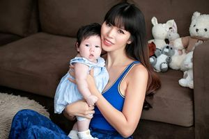 Bí quyết giảm cân sau sinh và lấy lại vòng eo 'con kiến' của siêu mẫu Hà Anh