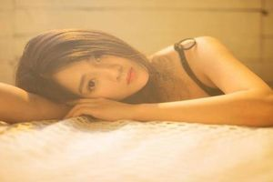 Hot girl trà sữa Việt trở lại đốt mắt CĐM bằng thần thái hết nấc