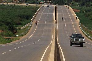 Uganda huy động quân đội bảo vệ doanh nghiệp Trung Quốc trước nguy cơ bị cướp tiền