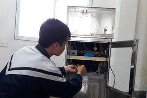 Nam sinh Hà Tĩnh sáng chế máy hút - khử khí độc phòng thực hành hóa học