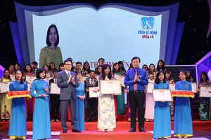Tuyên dương 48 giáo viên tiêu biểu dạy trẻ khuyết tật