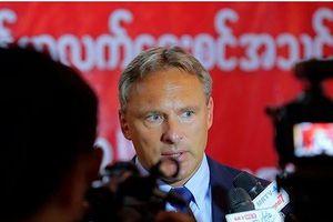 HLV Myanmar nói tuyển Việt Nam sẽ gặp nhiều áp lực