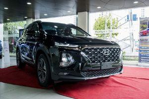 'Soi' Hyundai Santa Fe 2019 phiên bản máy dầu 2.2L ở Hà Nội