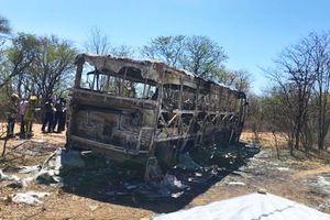 Nổ xe buýt ở Zimbabwe, ít nhất 42 người thiệt mạng