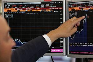 Dow Jones bật tăng hơn 200 điểm