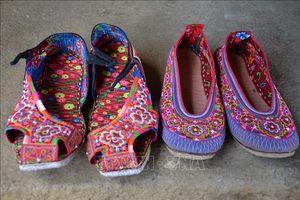 Độc đáo trang phục truyền thống đồng bào dân tộc Xạ Phang