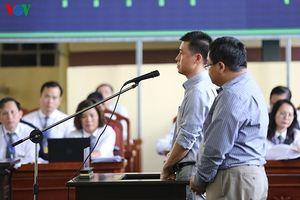 Các bị cáo khai mua bán hóa đơn khống cho hai Công ty Nam Việt và VTC Online