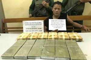 Thản nhiên xách 12 bánh ma túy vào Việt Nam tiêu thụ
