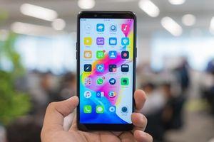 Cùng giá, nên mua Oppo A83 hay Samsung Galaxy J4+?