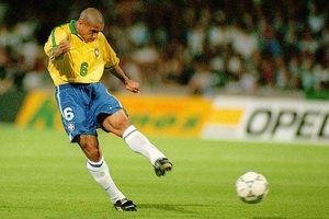 Khán giả Việt Nam sẽ được gặp huyền thoại Roberto Carlos tại sân Mỹ Đình!